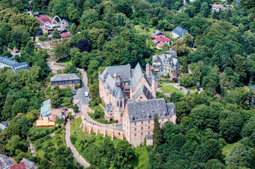 011-luftaufnahme-marburg-landgrafenschloss-business-images-fotografie-willi-schuhmacher