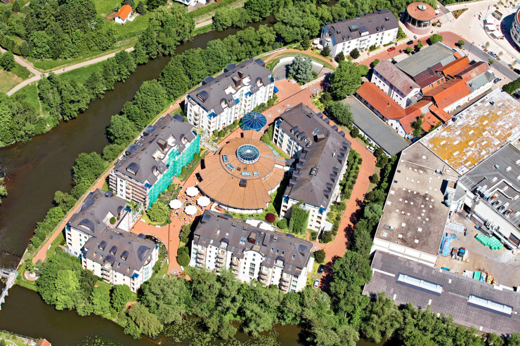 013-luftaufnahme-hotel-rosenpark-business-schuhmacher-zentrale-deutsche-vermoegensberatung-marburg-lahn