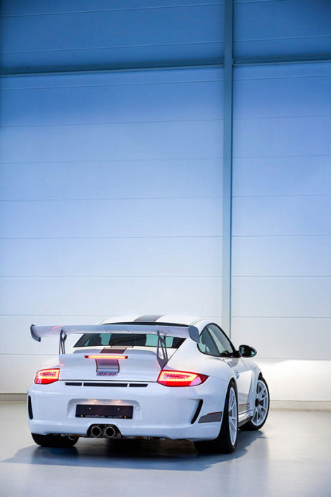 027b-Automotive-porsche-rs4.0-business-images