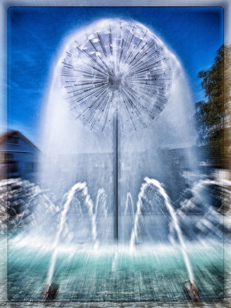 Aussenarchitekturaufnahme-sprinbrunnen-pusteblume-Stadtallendorf-kreisel-2014